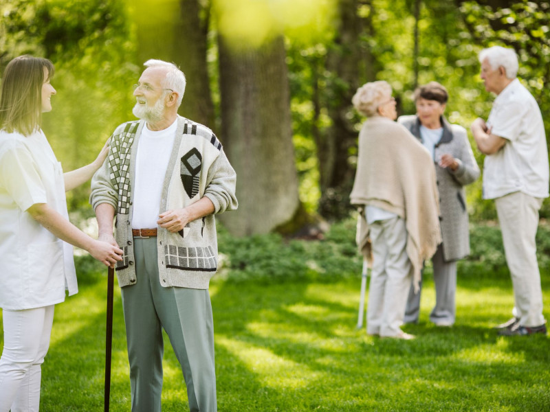 sunny_afternoon_in_the_garden_of_nursing_home_for_9qvctuy_opt